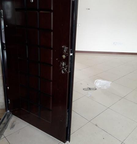 نشست ساختمان و رگلاژ درب ضد سرقت